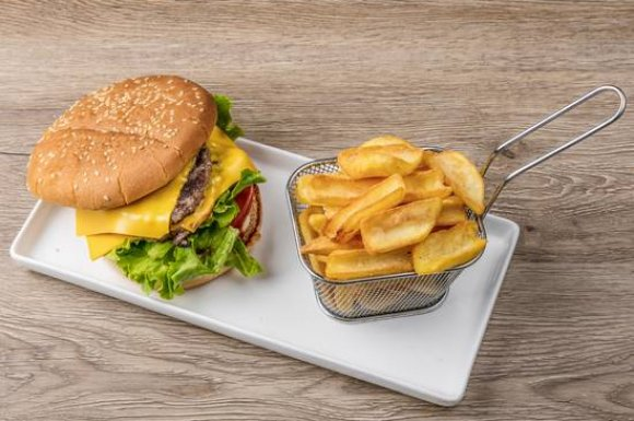 Spécialiste du burger préparation minute devant vos yeux Valence